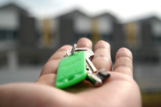 Låssmed kan bistå med allt från fler nycklar till nya lås